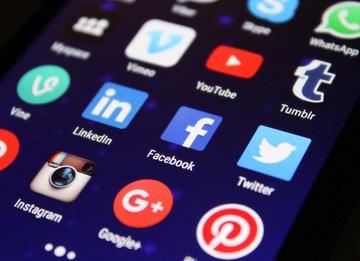 Sociale medier kan være tidskrævende at passe - lad Webredaktøren hjælpe